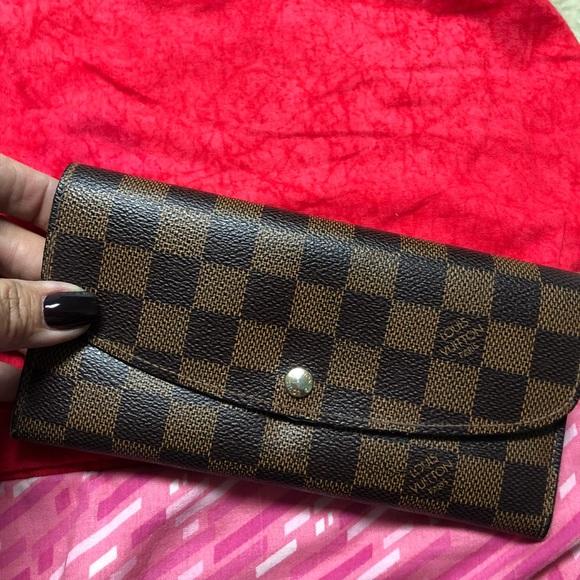 5750ba4093d0 Louis Vuitton Handbags - Louis Vuitton Emilie wallet
